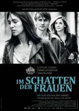 Im Schatten der Frauen_Schwarz Weiss Filmverleih_Plakat